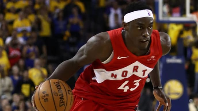 OAKLAND, CALIFORNIA - JUNE 13: Pascal Siakam #43 of the Toronto Raptors handles the ball on offense against the Golden State Warriors in the second half during Game Six of the 2019 NBA Finals at ORACLE Arena on June 13, 2019 in Oakland, California. NOTE TO USER: User expressly acknowledges and agrees that, by downloading and or using this photograph, User is consenting to the terms and conditions of the Getty Images License Agreement. (Photo by Ezra Shaw/Getty Images)