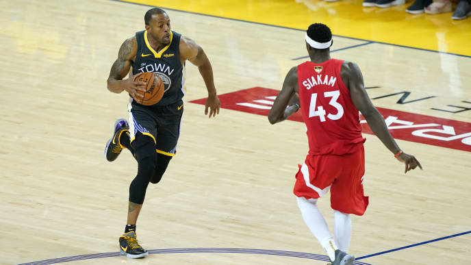 OAKLAND, CALIFORNIA - JUNE 13:  Andre Iguodala #9 of the Golden State Warriors is defended by Pascal Siakam #43 of the Toronto Raptors in the second half during Game Six of the 2019 NBA Finals at ORACLE Arena on June 13, 2019 in Oakland, California. NOTE TO USER: User expressly acknowledges and agrees that, by downloading and or using this photograph, User is consenting to the terms and conditions of the Getty Images License Agreement. (Photo by Thearon W. Henderson/Getty Images)