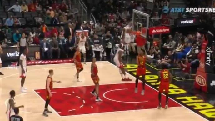 James Harden comenzó desde temprano a producir en el juego entre los Rockets y los Hawks