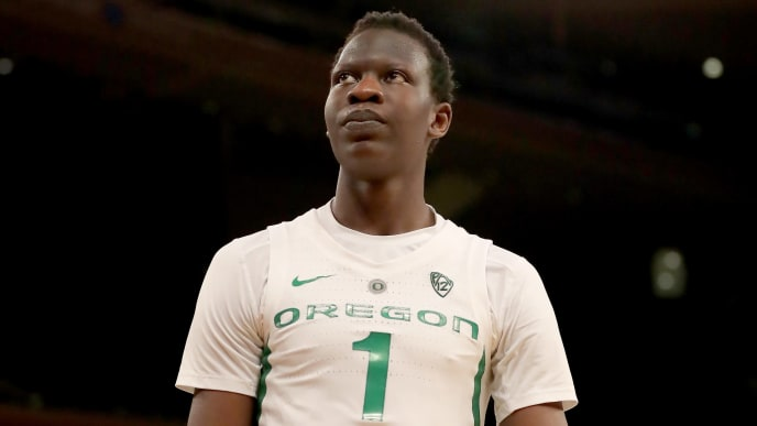 NEW YORK, NEW YORK - NOVEMBER 16: Bol Bol #1 of the Oregon Ducks reacts to a call in the second half against the Syracuse Orange during the 2K Empire Classic at Madison Square Garden on November 16, 2018 in New York City.The Oregon Ducks defeated the Syracuse Orange 80-65. (Photo by Elsa/Getty Images)