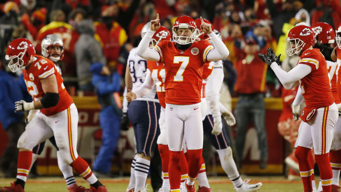 KANSAS CITY, MISSOURI - JANUARY 20: Harrison Butker #7 of the Kansas City Chiefs celebrates after completing a 39-yard field goal in the fourth quarter against the New England Patriots during the AFC Championship Game at Arrowhead Stadium on January 20, 2019 in Kansas City, Missouri. (Photo by David Eulitt/Getty Images)