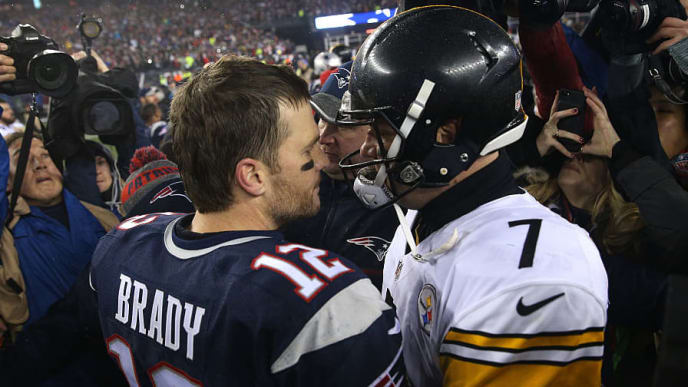 FOXBORO, MA - JANUARY 22:  Tom Brady #12 of the New England Patriots talks with Ben Roethlisberger #7 of the Pittsburgh Steelers after the Patriots defeated the Steelers 36-17 to win the AFC Championship Game at Gillette Stadium on January 22, 2017 in Foxboro, Massachusetts.  (Photo by Patrick Smith/Getty Images)