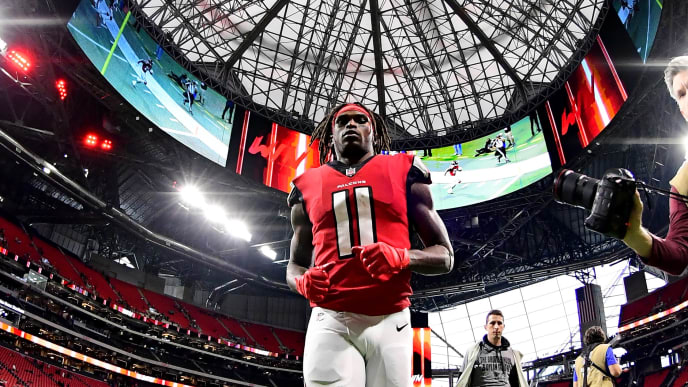ATLANTA, GA - DECEMBER 16: Julio Jones #11 of the Atlanta Falcons heads off the field after the game against the Arizona Cardinals at Mercedes-Benz Stadium on December 16, 2018 in Atlanta, Georgia. (Photo by Scott Cunningham/Getty Images)