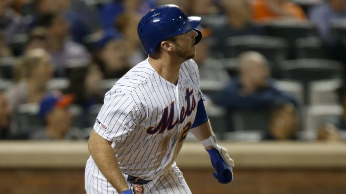 NEW YORK, NEW YORK - SEPTEMBER 09:  Pete Alonso #20 of the New York Mets watches the flight of his fifth inning home run against the Arizona Diamondbacks at Citi Field on September 09, 2019 in New York City. (Photo by Jim McIsaac/Getty Images)