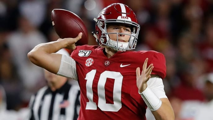 TUSCALOOSA, ALABAMA - OCTOBER 26:  Mac Jones #10 of the Alabama Crimson Tide looks to pass against the Arkansas Razorbacks in the first half at Bryant-Denny Stadium on October 26, 2019 in Tuscaloosa, Alabama. (Photo by Kevin C. Cox/Getty Images)