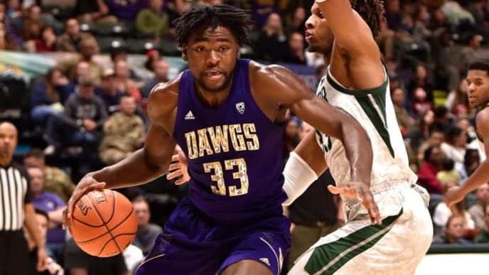 ANCHORAGE, AK - NOVEMBER 08: Isaiah Stewart #33 of the Washington Huskies drives against Freddie Gillespie #33 of the Baylor Bears during the ESPN Armed Forces Classic at Alaska Airlines Center on November 8, 2019 in Anchorage, Alaska. Washington won 67-64. (Photo by Lance King/Getty Images)