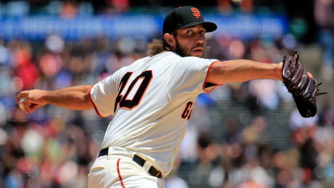 SAN FRANCISCO, CALIFORNIA - MAY 23: Madison Bumgarner #40 of the San Francisco Giants pitches during the first inning against the Atlanta Braves at Oracle Park on May 23, 2019 in San Francisco, California. (Photo by Daniel Shirey/Getty Images)