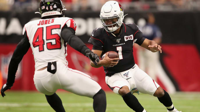 GLENDALE, ARIZONA - OCTOBER 13:  Quarterback Kyler Murray #1 of the Arizona Cardinals scrambles with the football against linebacker Deion Jones #45 of the Atlanta Falcons during the first half of the NFL game at State Farm Stadium on October 13, 2019 in Glendale, Arizona. (Photo by Christian Petersen/Getty Images)