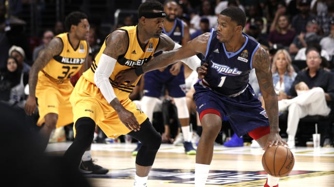 LOS ANGELES, CALIFORNIA - SEPTEMBER 01: Joe Johnson #1 of the Triplets is defended by Stephen Jackson #5 of Killer 3s during the BIG3 Championship game at Staples Center on September 01, 2019 in Los Angeles, California. (Photo by Meg Oliphant/BIG3 via Getty Images)