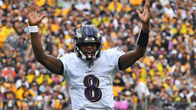 PITTSBURGH, PA - OCTOBER 06:  Lamar Jackson #8 of the Baltimore Ravens reacts after a touchdown by Mark Ingram #21 (not pictured) during the first quarter against the Pittsburgh Steelers at Heinz Field on October 6, 2019 in Pittsburgh, Pennsylvania. (Photo by Joe Sargent/Getty Images)