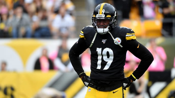 PITTSBURGH, PA - OCTOBER 06: JuJu Smith-Schuster #19 of the Pittsburgh Steelers is visible upset after Mason Rudolph #2 (not pictured) was knocked out of the game in the third quarter during the game against the Baltimore Ravens at Heinz Field on October 6, 2019 in Pittsburgh, Pennsylvania. (Photo by Justin Berl/Getty Images)