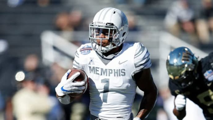 BIRMINGHAM, AL - DECEMBER 22: Tony Pollard #1 of the Memphis Tigers runs for a 41-yard touchdown against the Wake Forest Demon Deacons in the first quarter of the Birmingham Bowl at Legion Field on December 22, 2018 in Birmingham, Alabama. (Photo by Joe Robbins/Getty Images)