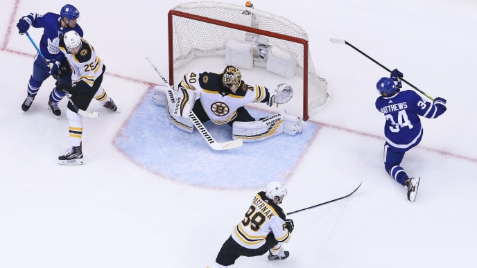TORONTO, ON - APRIL 21:  Auston Matthews #34 of the Toronto Maple Leafs fans on a point blank scoring attempt against Tuukka Rask #40 of the Boston Bruins in Game Six of the Eastern Conference First Round during the 2019 NHL Stanley Cup Playoffs at Scotiabank Arena on April 21, 2019 in Toronto, Ontario, Canada. The Bruins defeated the Maple Leafs 4-2. (Photo by Claus Andersen/Getty Images)