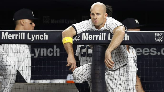 NEW YORK, NY - SEPTEMBER 1:  Brett Gardner #11 of the New York Yankees looks dejected at the top of the dugout as the game ends with a Yankees loss in an MLB baseball game against the Boston Red Sox on September 1, 2017 at Yankee Stadium in the Bronx borough of New York City.  Red Sox won 4-1. (Photo by Paul Bereswill/Getty Images)