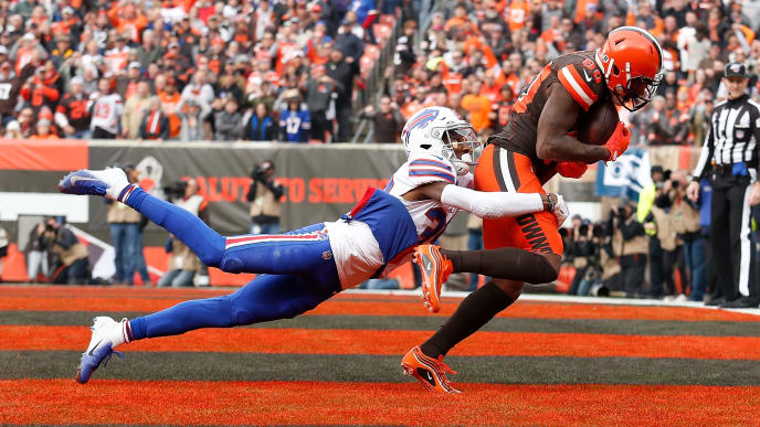 CLEVELAND, OH - NOVEMBER 10:  Jarvis Landry #80 of the Cleveland Browns catches a pass for a touchdown while being defended by Levi Wallace #39 of the Buffalo Bills during the first quarter at FirstEnergy Stadium on November 10, 2019 in Cleveland, Ohio. (Photo by Kirk Irwin/Getty Images)
