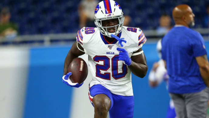 DETROIT, MI - AUGUST 23: Frank Gore #20 of the Buffalo Bills warms up prior to the start of the preseason game against the Detroit Lions at Ford Field on August 23, 2019 in Detroit, Michigan. (Photo by Rey Del Rio/Getty Images)