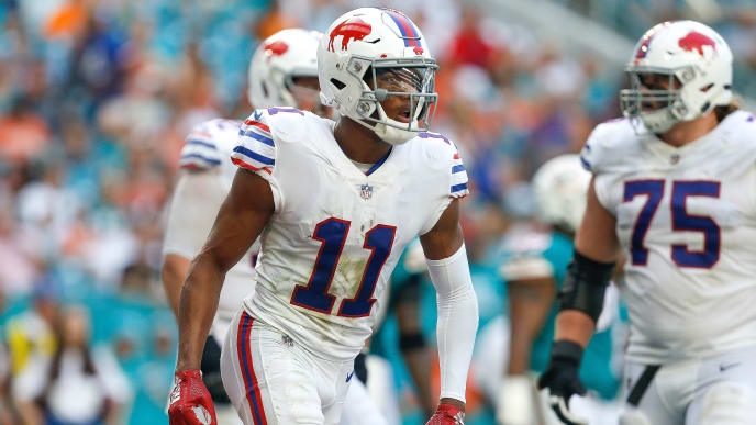 MIAMI, FL - DECEMBER 02:  Zay Jones #11 of the Buffalo Bills reacts after catching a touchdown pass against the Miami Dolphins during the first half at Hard Rock Stadium on December 2, 2018 in Miami, Florida.  (Photo by Michael Reaves/Getty Images)