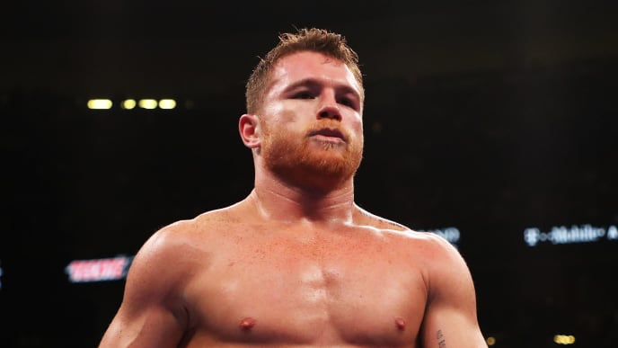 LAS VEGAS, NEVADA - MAY 04:  Canelo Alvarez heads back to his corner during his unanimous decision win over Daniel Jacobs in their middleweight unification fight at T-Mobile Arena on May 04, 2019 in Las Vegas, Nevada. (Photo by Al Bello/Getty Images)