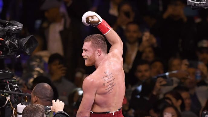 NEW YORK, NEW YORK - DECEMBER 15: Canelo Alvarez celebrates after technical knock out of Rocky Fielding in their WBA Super Middleweight title bout at Madison Square Garden on December 15, 2018 in New York City. (Photo by Sarah Stier/Getty Images)