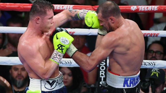 LAS VEGAS, NEVADA - NOVEMBER 02:  Canelo Alvarez (L) and Sergey Kovalev battle in the ninth round of their WBO light heavyweight title fight at MGM Grand Garden Arena on November 2, 2019 in Las Vegas, Nevada. Alvarez won by 11th-round knockout.  (Photo by Ethan Miller/Getty Images)
