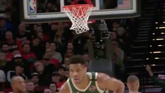 Giannis sigue acabando a todos sus oponentes en la NBA