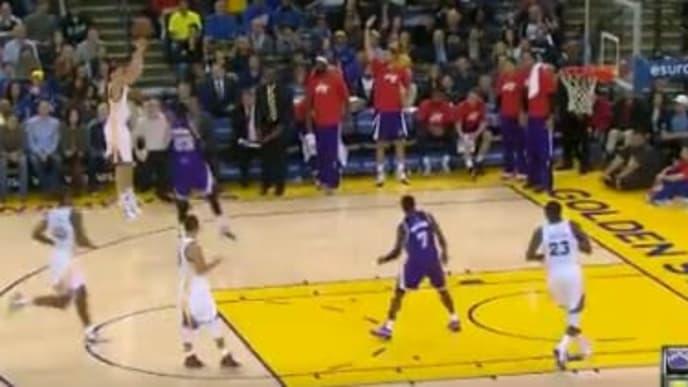 Klay Thompson anotó 37 puntos en un cuarto ante los Sacramento Kings