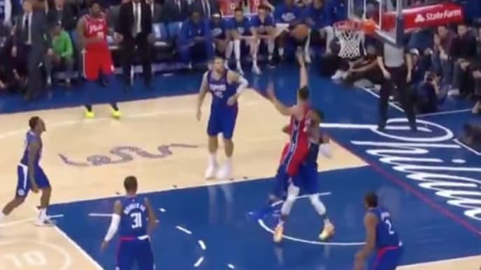 Ben Simmons en el juego ante Clippers