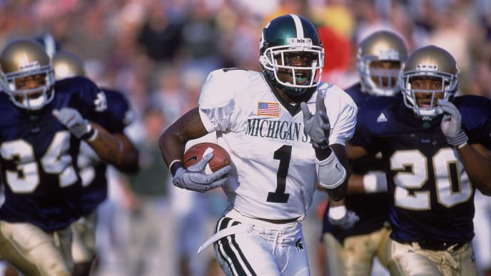 22 Sep 2001:  Charles Rogers #1 of the Michigan State Spartans runs with the ball during the game against the Notre Dame Fighting Irish at the Notre Dame Stadium in South Bend, Indiana. The Spartans defeated the Fighting Irish 17-10.Mandatory Credit: Jonathan Daniel  /Allsport