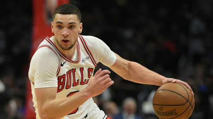 LOS ANGELES, CA - MARCH 15: Zach LaVine #8 of the Chicago Bulls brings the ball up the floor against the Los Angeles Clippers at Staples Center on March 15, 2019 in Los Angeles, California. NOTE TO USER: User expressly acknowledges and agrees that, by downloading and or using this photograph, User is consenting to the terms and conditions of the Getty Images License Agreement.(Photo by John McCoy/Getty Images)