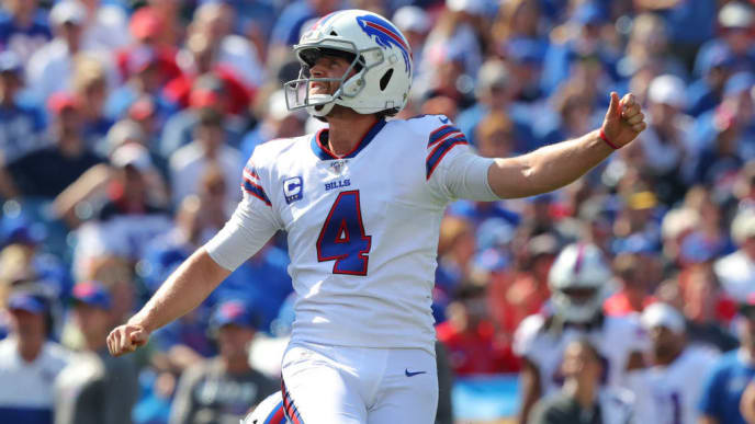 ORCHARD PARK, NY - SEPTEMBER 22:  Stephen Hauschka #4 of the Buffalo Bills watches the ball after a field goal attempt during the first half against the Cincinnati Bengals at New Era Field on September 22, 2019 in Orchard Park, New York. Buffalo beats Cincinnati 21 to 17.  (Photo by Timothy T. Ludwig/Getty Images)