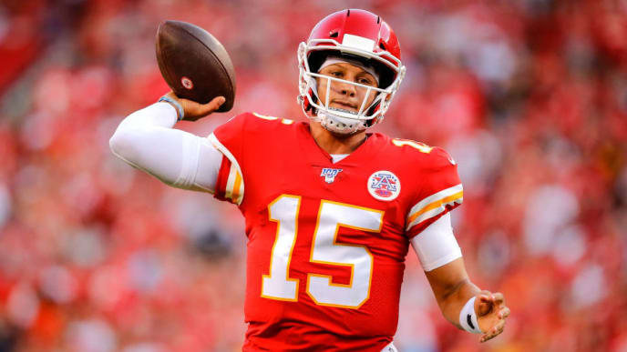 KANSAS CITY, MO - AUGUST 10: Patrick Mahomes #15 of the Kansas City Chiefs throws a first quarter pass against the Cincinnati Bengals during a preseason game at Arrowhead Stadium on August 10, 2019 in Kansas City, Missouri. (Photo by David Eulitt/Getty Images)
