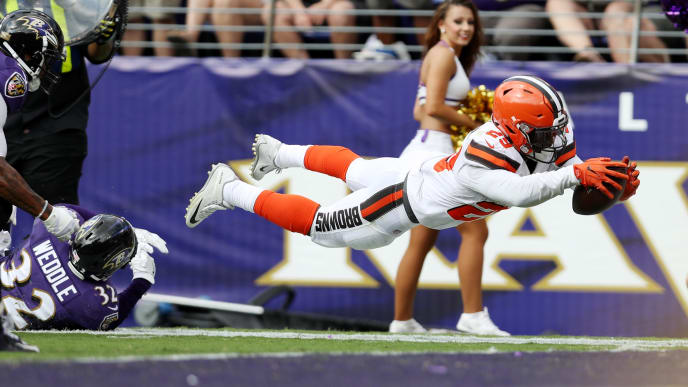 BALTIMORE, MD - SEPTEMBER 17: Running back Duke Johnson #29 of the Cleveland Browns goes for a touchdown against the Baltimore Ravens in the four quarter at M&T Bank Stadium on September 17, 2017 in Baltimore, Maryland.  (Photo by Patrick Smith/Getty Images)