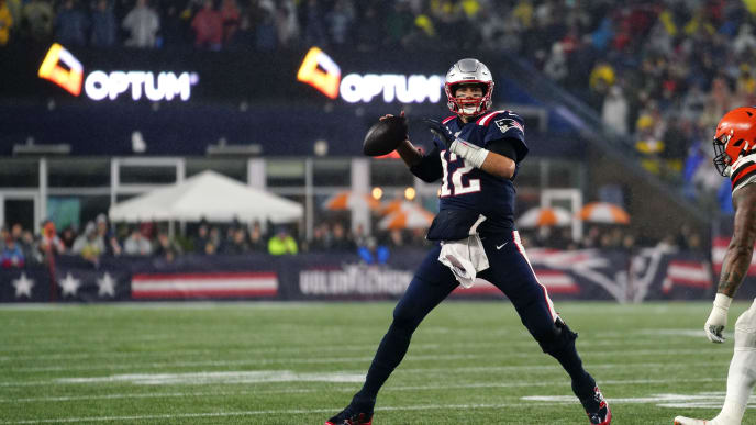 FOXBOROUGH, MASSACHUSETTS - OCTOBER 27: Tom Brady scrambles right and looks to pass during the fourth quarter of the game against the Cleveland Browns at Gillette Stadium on October 27, 2019 in Foxborough, Massachusetts. (Photo by Omar Rawlings/Getty Images)