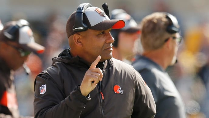 PITTSBURGH, PA - OCTOBER 28: Head coach Hue Jackson of the Cleveland Browns looks on during the first quarter in the game against the Pittsburgh Steelers at Heinz Field on October 28, 2018 in Pittsburgh, Pennsylvania. (Photo by Justin K. Aller/Getty Images)