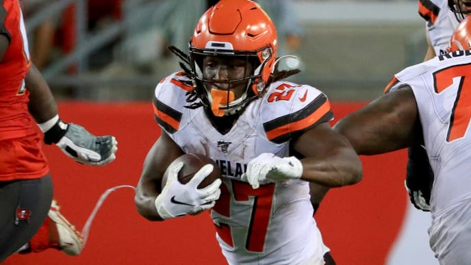 TAMPA, FLORIDA - AUGUST 23: Kareem Hunt #27 of the Cleveland Browns rushes during a preseason game against the Tampa Bay Buccaneers at Raymond James Stadium on August 23, 2019 in Tampa, Florida. (Photo by Mike Ehrmann/Getty Images)