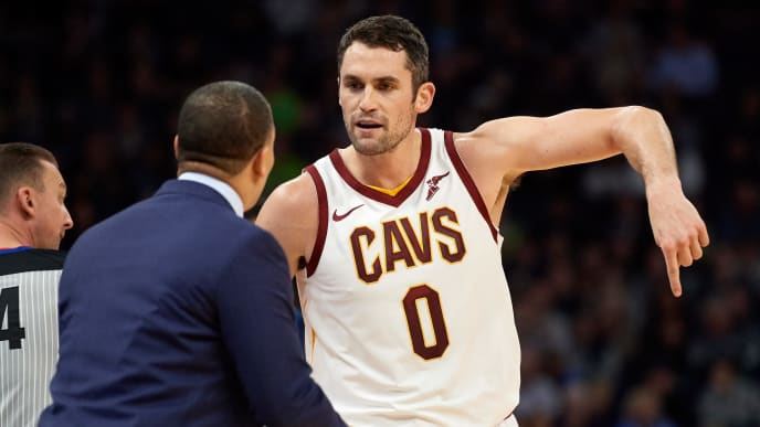 MINNEAPOLIS, MN - OCTOBER 19: Kevin Love #0 of the Cleveland Cavaliers speaks with head coach Tyronn Lue during the game against the Minnesota Timberwolves on October 19, 2018 at the Target Center in Minneapolis, Minnesota. The Timberwolves defeated the Cavaliers 131-123. NOTE TO USER: User expressly acknowledges and agrees that, by downloading and or using this Photograph, user is consenting to the terms and conditions of the Getty Images License Agreement. (Photo by Hannah Foslien/Getty Images)