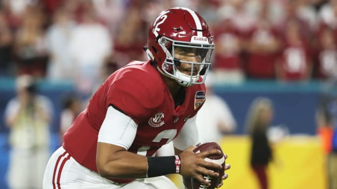 MIAMI, FL - DECEMBER 29:  Jalen Hurts #2 of the Alabama Crimson Tide carries the ball in the second quarter during the College Football Playoff Semifinal against the Oklahoma Sooners at the Capital One Orange Bowl at Hard Rock Stadium on December 29, 2018 in Miami, Florida.  (Photo by Streeter Lecka/Getty Images)