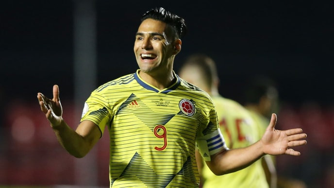 SAO PAULO, BRAZIL - JUNE 19: Radamel Falcao of Colombia reacts during the Copa America Brazil 2019 group B match between Colombia and Qatar at Morumbi Stadium on June 19, 2019 in Sao Paulo, Brazil. (Photo by Alexandre Schneider/Getty Images)
