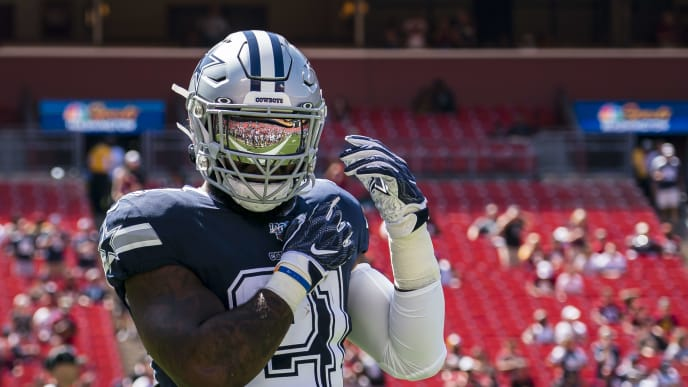 LANDOVER, MD - SEPTEMBER 15: Ezekiel Elliott #21 of the Dallas Cowboys warms-up before the game against the Washington Redskins at FedExField on September 15, 2019 in Landover, Maryland. (Photo by Scott Taetsch/Getty Images)