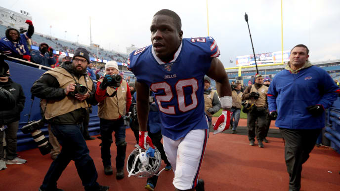 ORCHARD PARK, NEW YORK - NOVEMBER 24: Frank Gore #20 of the Buffalo Bills runs off the field after an NFL game against the Denver Broncos at New Era Field on November 24, 2019 in Orchard Park, New York. Buffalo Bills defeated the Denver Broncos 20-3. (Photo by Bryan M. Bennett/Getty Images)