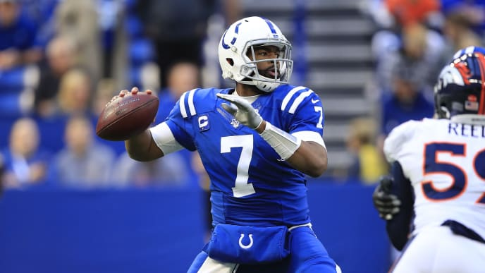 INDIANAPOLIS, INDIANA - OCTOBER 27:  Jacoby Brissett #7 of the Indianapolis Colts throws the ball against the Denver Broncos at Lucas Oil Stadium on October 27, 2019 in Indianapolis, Indiana. (Photo by Andy Lyons/Getty Images)