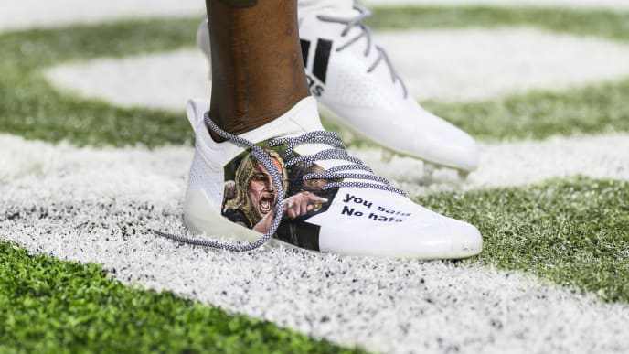 MINNEAPOLIS, MN - NOVEMBER 17: Stefon Diggs #14 of the Minnesota Vikings wears custom shoes before the game against the Denver Broncos at U.S. Bank Stadium on November 17, 2019 in Minneapolis, Minnesota. (Photo by Stephen Maturen/Getty Images)