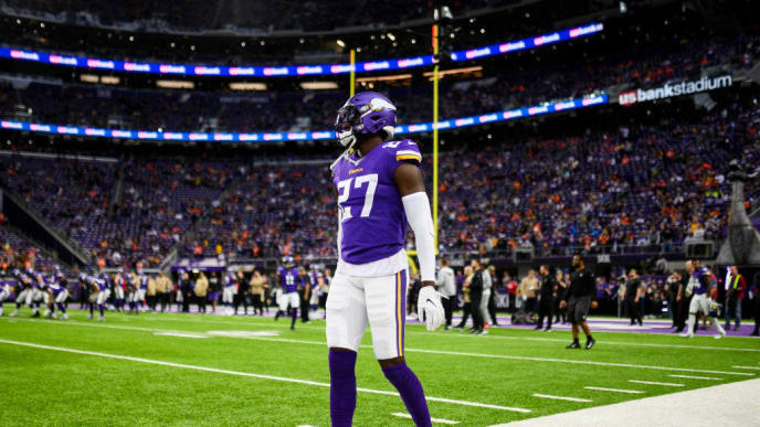 MINNEAPOLIS, MN - NOVEMBER 17: Jayron Kearse #27 of the Minnesota Vikings on the field before the game against the Denver Broncos at U.S. Bank Stadium on November 17, 2019 in Minneapolis, Minnesota. (Photo by Stephen Maturen/Getty Images)