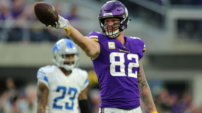 buy popular 05109 6a899 Would You Rather: Own Vikings' Tight End Kyle Rudolph or Irv ...