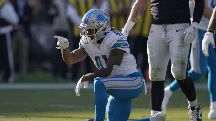 OAKLAND, CALIFORNIA - NOVEMBER 03: J.D. McKissic #41 of the Detroit Lions signals first down against the Oakland Raiders during the third quarter of an NFL football game at RingCentral Coliseum on November 03, 2019 in Oakland, California. The Raiders won the game 31-24. (Photo by Thearon W. Henderson/Getty Images)