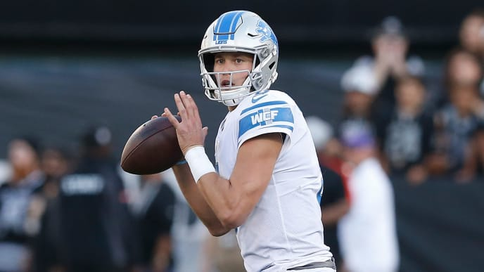 OAKLAND, CALIFORNIA - NOVEMBER 03: Quarterback Matthew Stafford #9 of the Detroit Lions looks to pass the ball in the fourth quarter against the Oakland Raiders at RingCentral Coliseum on November 03, 2019 in Oakland, California. (Photo by Lachlan Cunningham/Getty Images)
