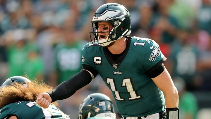 PHILADELPHIA, PENNSYLVANIA - SEPTEMBER 22:  Carson Wentz #11 of the Philadelphia Eagles calls out the play in the fourth quarter against the Detroit Lions at Lincoln Financial Field on September 22, 2019 in Philadelphia, Pennsylvania.The Detroit Lions defeated the Philadelphia Eagles 27-24. (Photo by Elsa/Getty Images)