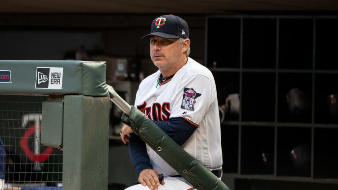MINNEAPOLIS, MN- MAY 21: Bench coach Derek Shelton #9 of the Minnesota Twins looks on against the Detroit Tigers on May 21, 2018 at Target Field in Minneapolis, Minnesota. The Twins defeated the Tigers 4-2. (Photo by Brace Hemmelgarn/Minnesota Twins/Getty Images) *** Local Caption *** Derek Shelton