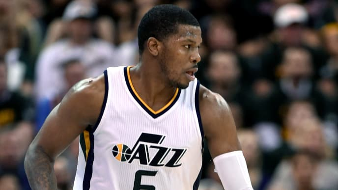 SALT LAKE CITY, UT - MAY 8: Joe Johnson #6 of the Utah Jazz brings the ball up court against the Golden State Warriors in Game Four of the Western Conference Semifinals during the 2017 NBA Playoffs at Vivint Smart Home Arena on May 8, 2017 in Salt Lake City, Utah. NOTE TO USER: User expressly acknowledges and agrees that, by downloading and or using this photograph, User is consenting to the terms and conditions of the Getty Images License Agreement. (Photo by Gene Sweeney Jr/Getty Images)