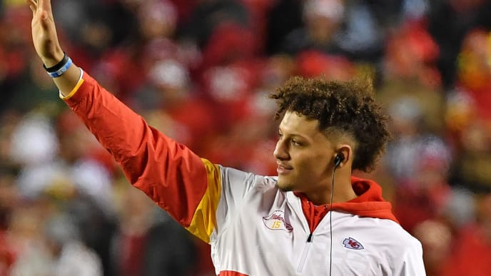 KANSAS CITY, MO - OCTOBER 27:  Quarterback Patrick Mahomes #15 of the Kansas City Chiefs looks on from the sideline against the Green Bay Packers during the first half at Arrowhead Stadium on October 27, 2019 in Kansas City, Missouri. (Photo by Peter G. Aiken/Getty Images)